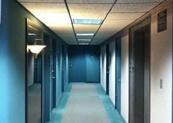 99 W Hawthorne Ave: Hallway